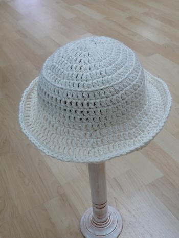 White_cro_hat_2_2